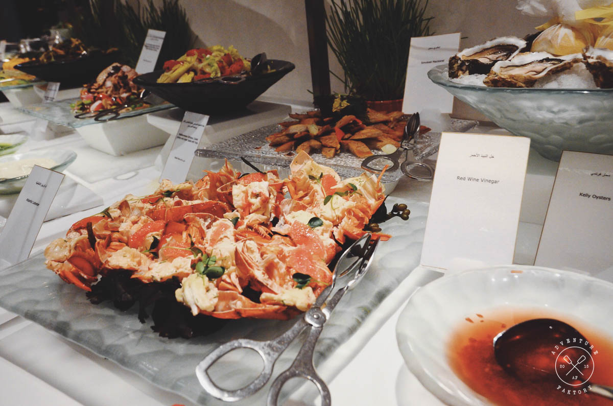 Ain't no perfect buffet without a seafood station with delicious lobster and oysters, oh man the oysters were good!